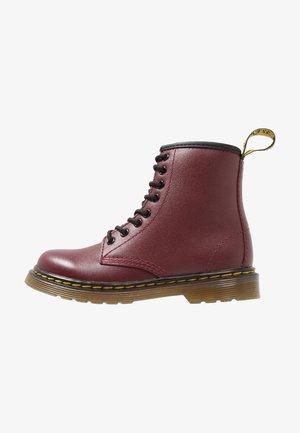 DELANEY SOFTY - Šněrovací kotníkové boty - cherry red