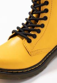 Dr. Martens - 1460 J - Snörstövletter - yellow romario - 2
