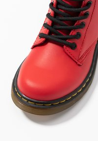 Dr. Martens - 1460 J Romario - Lace-up ankle boots - satchel red romario - 2