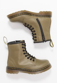 Dr. Martens - 1460 8-EYE BOOT - Lace-up ankle boots - olive - 0