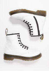 Dr. Martens - 1460 ROMARIO - Lace-up ankle boots - white - 0