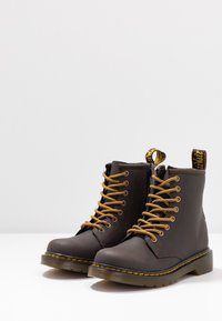 Dr. Martens - 1460 WILDHORSE LAMPER - Lace-up ankle boots - gaucho - 3