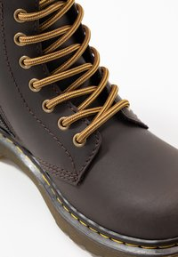 Dr. Martens - 1460 WILDHORSE LAMPER - Lace-up ankle boots - gaucho - 2