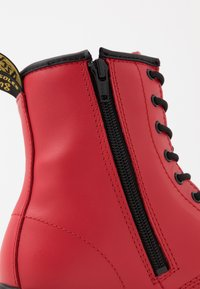 Dr. Martens - 1460 - Lace-up ankle boots - satchel red/romario - 2