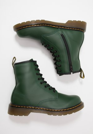 1460 Y ROMARIO - Bottines à lacets - green
