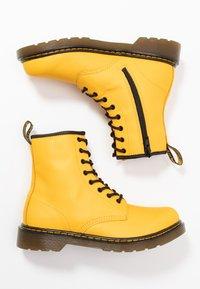 Dr. Martens - 1460 - Snörstövletter - yellow romario - 0