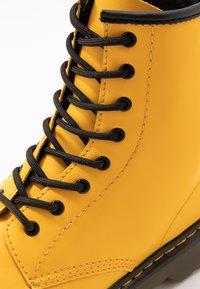 Dr. Martens - 1460 - Snörstövletter - yellow romario - 2