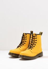 Dr. Martens - 1460 - Snörstövletter - yellow romario - 3