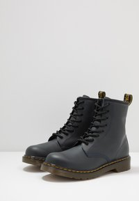 Dr. Martens - 1460 - Classic ankle boots - navy romario - 3