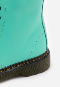 Dr. Martens - 1460 ROMARIO - Kotníkové boty - peppermint green - 5