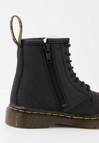 Dr. Martens - 1460 SERENA - Bottes de neige - black - 2