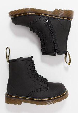 1460 SERENA - Botas para la nieve - black