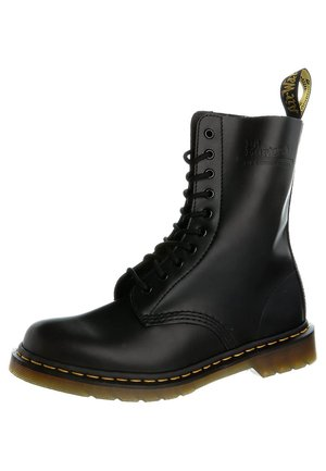 ORIGINALS 1490 10 EYE BOOT - Kozaki sznurowane - black