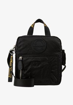 SUPER MINI BAG - Axelremsväska - black