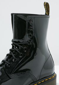 Dr. Martens - 1460 8 EYE BOOT LAMPER - Lace-up ankle boots - black - 5