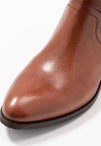 Donna Carolina - Vysoká obuv - cognac - 2