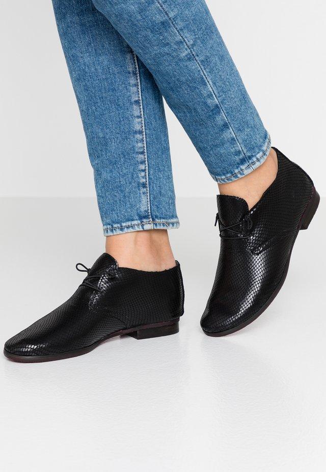 Šněrovací boty - dafne nero
