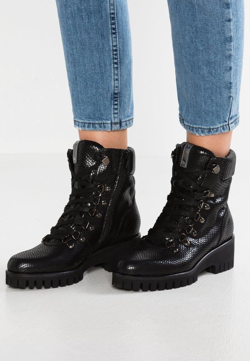 Donna Carolina - Kotníkové boty na platformě - nero