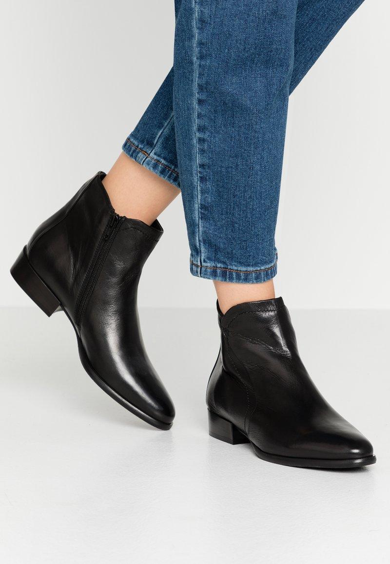 Donna Carolina - Ankle boots - soffio nero