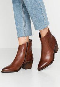 Donna Carolina - Classic ankle boots - texas - 0