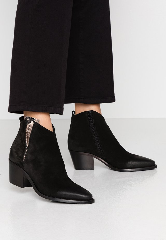 Ankle boots - silk nero
