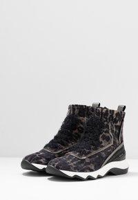 Donna Carolina - Classic ankle boots - simba/taupe - 4