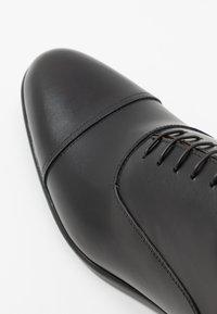 Doucal's - PISA - Elegantní šněrovací boty - nero - 5