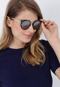 Dolce&Gabbana - Okulary przeciwsłoneczne - grey/silver-coloured - 1