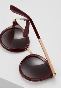 Dolce&Gabbana - Solglasögon - bordeaux - 4