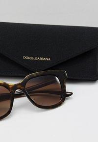 Dolce&Gabbana - Solbriller - havana - 2