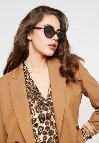 Dolce&Gabbana - Sluneční brýle - black - 1