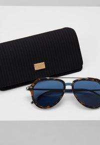 Dolce&Gabbana - Solbriller - blue havana - 2
