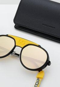Dolce&Gabbana - Sonnenbrille - matte black/black/orange mirror pink - 2