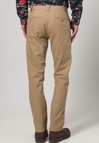 DOCKERS - D1 WEAR THE PANTS - Pantalones chinos - beige - 3