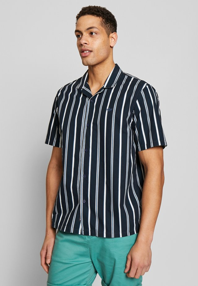 SHORT SLEEVE ISLAND SHIRT - Hemd - hudgens dockers navy
