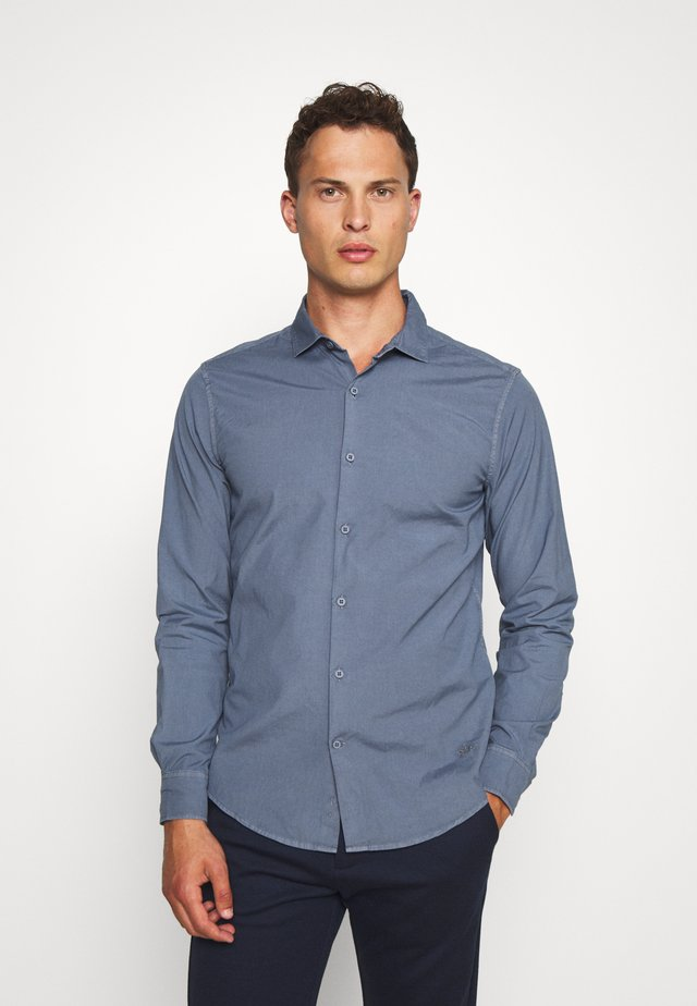SUSTAINABLE ALPHA SPREAD COLLAR - Shirt - navy smoke