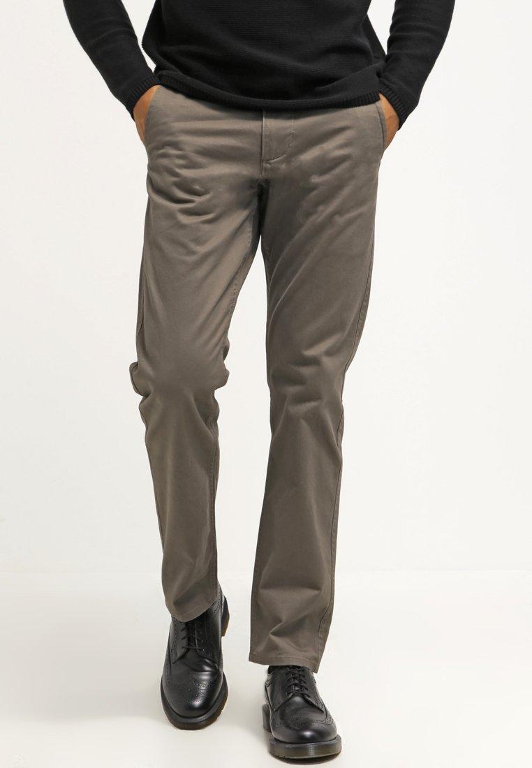DOCKERS - ALPHA ORIGINAL SLIM TAPERED - Pantalon classique - dark pebble core