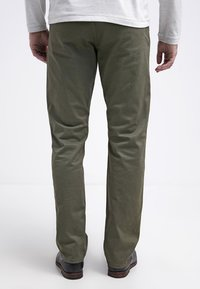 DOCKERS - ALPHA ORIGINAL - Pantalon classique - olive core - 2
