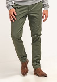 DOCKERS - Chinos - olive - 0