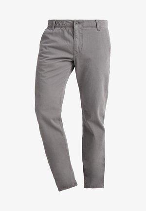 SMART FLEX ALPHA LIGHTWEIGHT TEXTURED - Chino kalhoty - burma grey