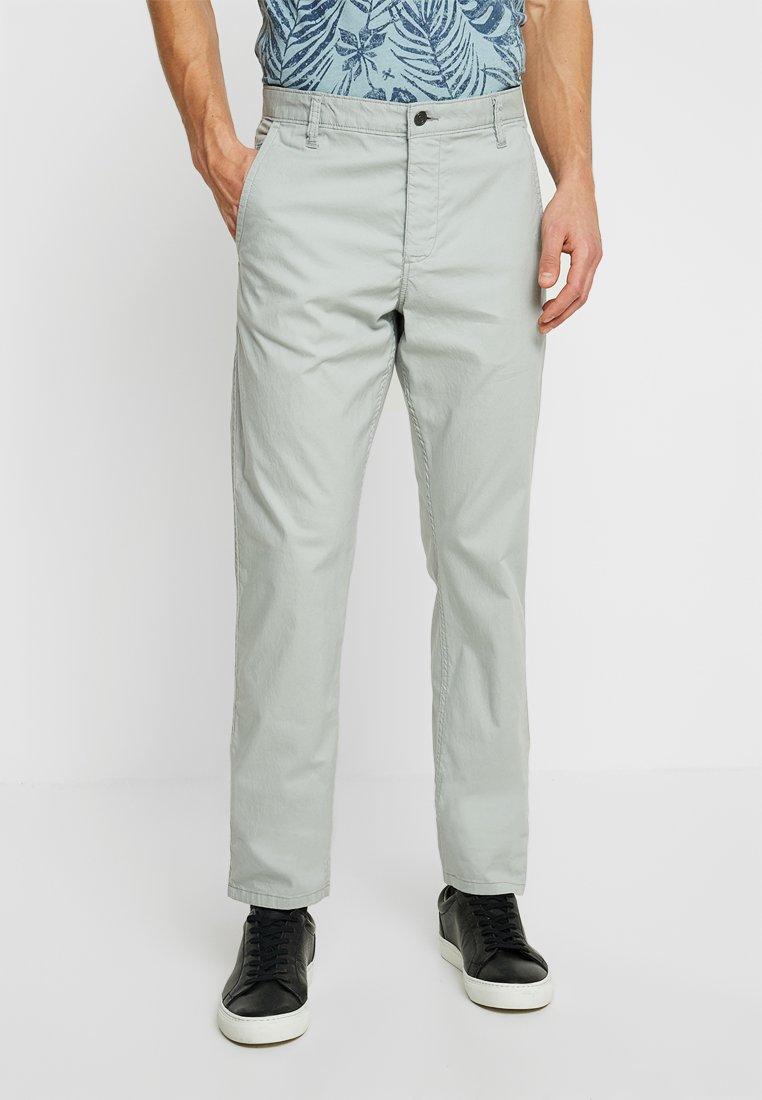 DOCKERS - ALPHA TAPERED DURAFLEXLITE - Trousers - light grey