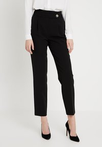 Dorothy Perkins Tall - BUTTON DETAIL TAPERED TROUSER - Broek - black - 0