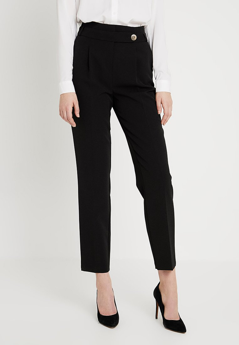 Dorothy Perkins Tall - BUTTON DETAIL TAPERED TROUSER - Broek - black