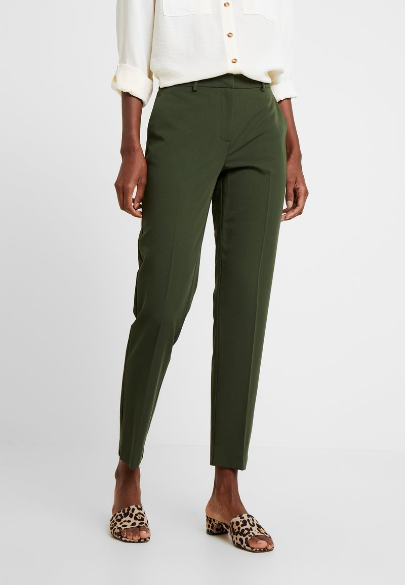 Dorothy Perkins Tall - ANKLE GRAZER - Stoffhose - green