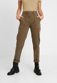 Dorothy Perkins Tall - UTILITY TROUSER - Trousers - khaki - 2