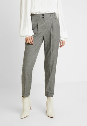 SAVANNAH PEG LEG TROUSER - Pantalones - grey