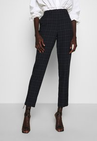 Dorothy Perkins Tall - GRID CHECK ANKLE GRAZER - Bukse - navy - 0