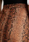 Dorothy Perkins Tall - SNAKE PRINT SCUBA PENCIL - A-Linien-Rock - rust