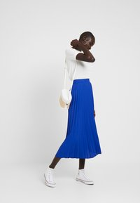 Dorothy Perkins Tall - PLEATED SKIRT - A-lijn rok - cobalt - 1