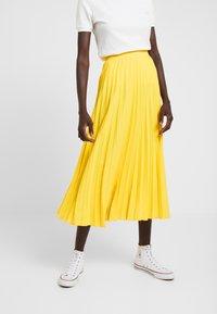 Dorothy Perkins Tall - PLEATED SKIRT - A-lijn rok - lemon - 0